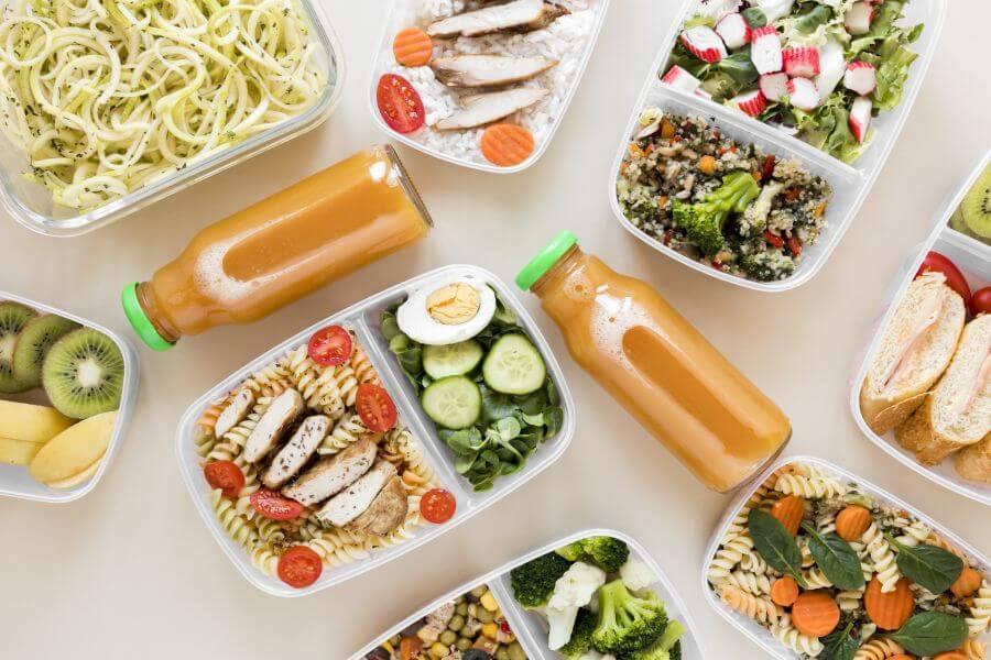 ธุรกิจอาหารคลีนสัมพันธ์กับการลดใช้พลาสติกอย่างไร?